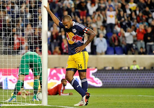 A Guide To Henrying When And Where To Do It And Who To Do It With Football Celebrations Football Players Soccer