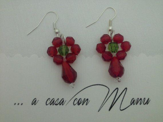 Orecchini splendenti a fiore con perle rosse e di Acasaconmanu