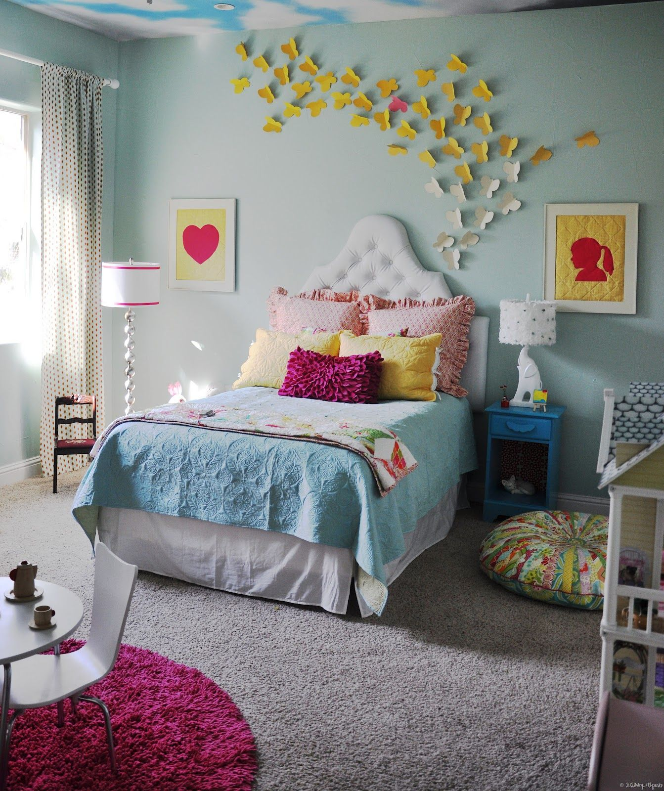 Little girls 39 room love pictures on wall lamps and name - Habitaciones para ninos pequenos ...