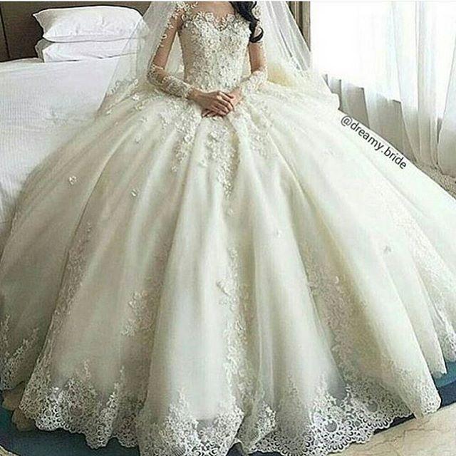 Princess Ballgown Wedding Dress- I like the top | Weddings ...