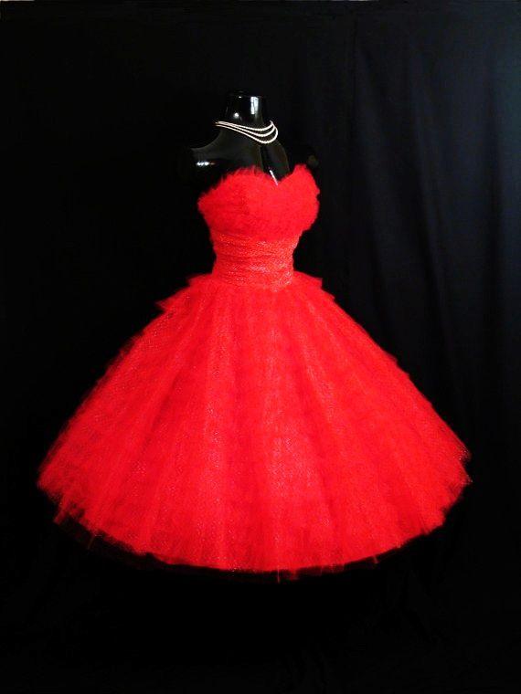 Vintage 1950's 50s Bombshell Dress strapless red tulle vintage retro wedding bridesmaid fluffy full skirt circle ruffles theme
