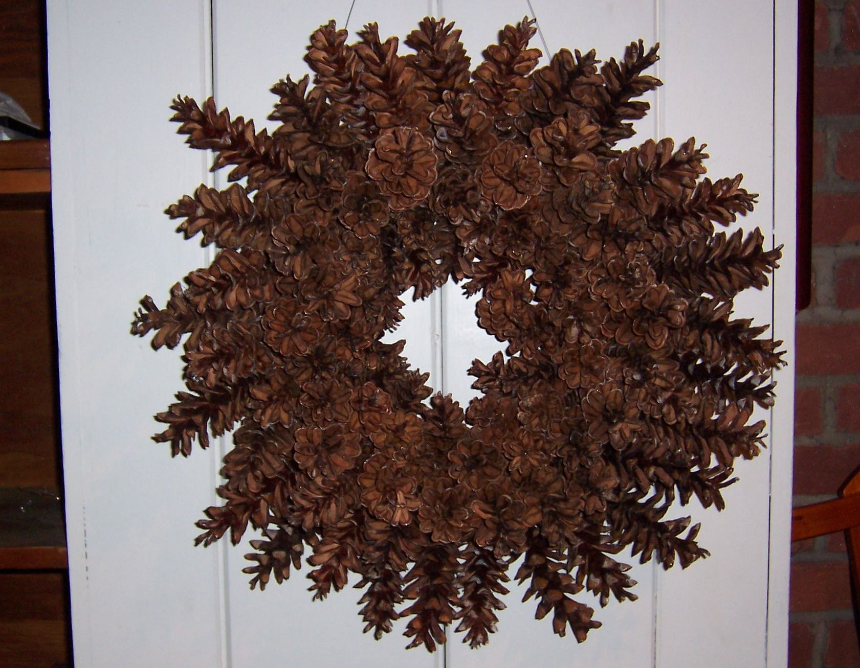 How to make a beautiful pine cone wreath -- without gluing or ...
