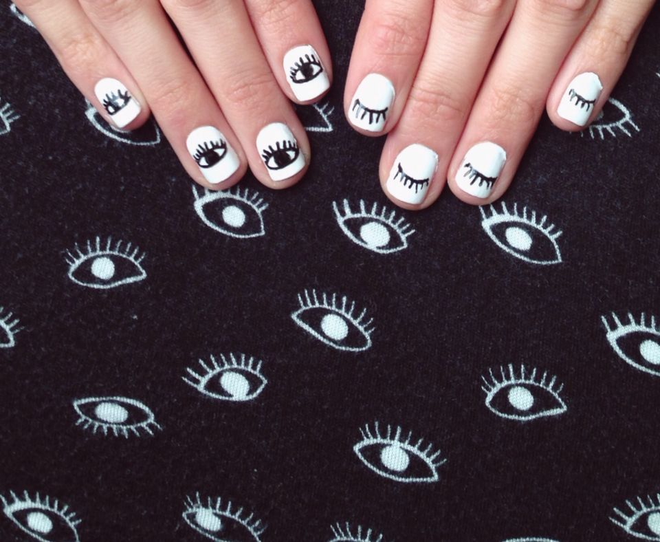 Evil Eye Nail Art Simple Minimal Black And White Nail Art Minimalist Nail Art Eye Nail Art Evil Eye Nails
