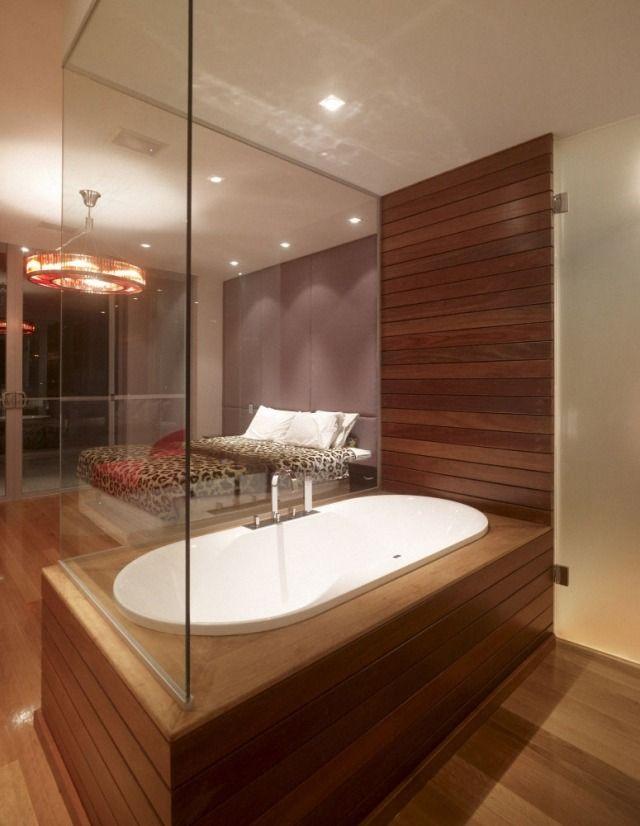 badewanne schlafzimmer holzlatten glaswand geschlossen | Bad ...