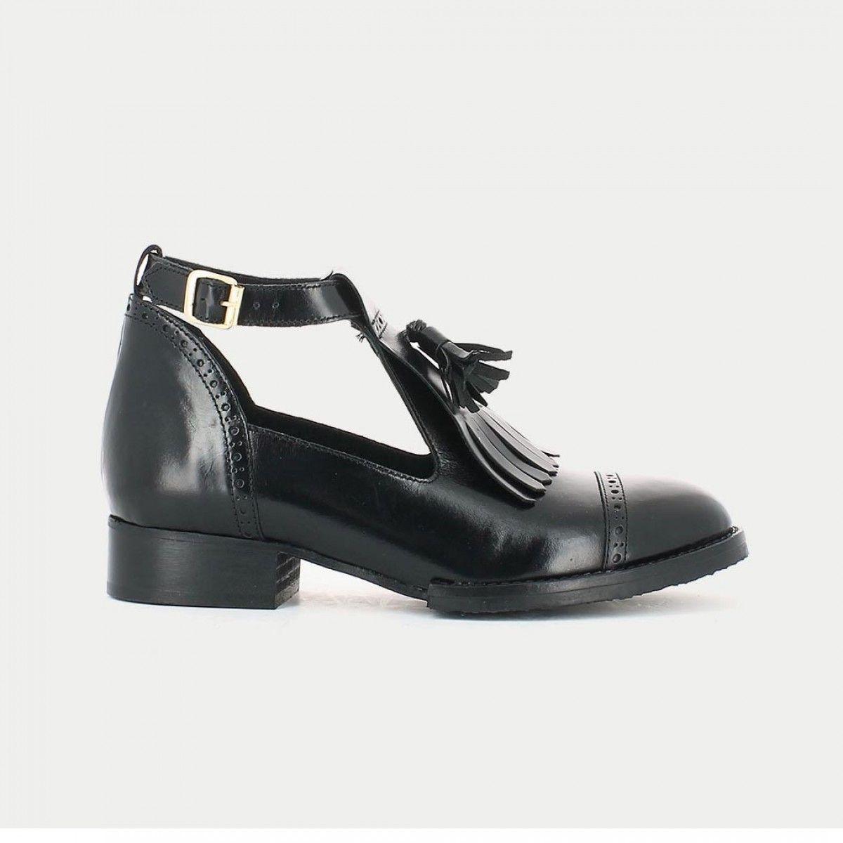 Boots cuir à en noirShoesBags patte ajourées frangée CxBoed