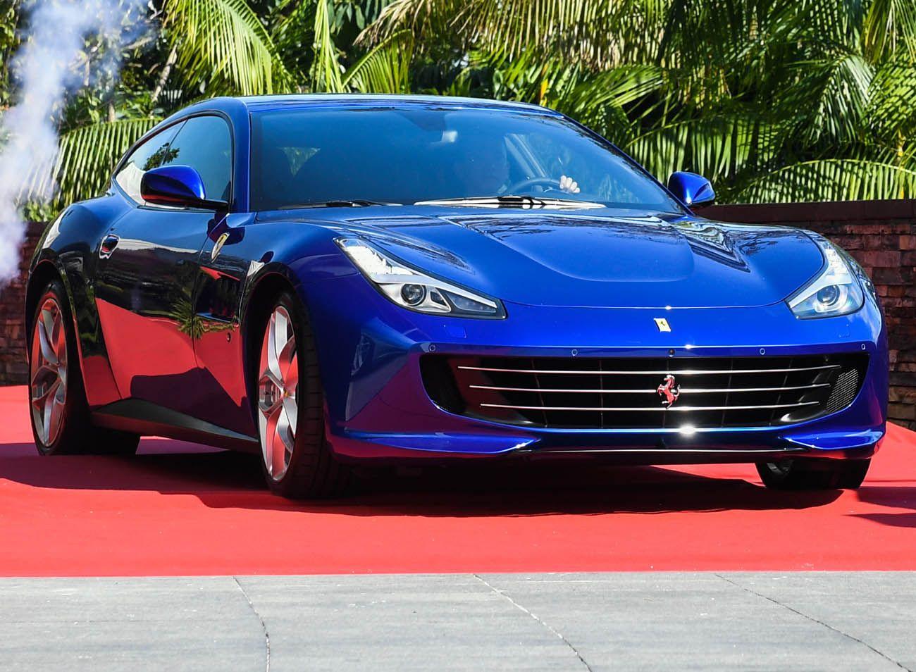فيراري جي تي سي 4 لوسو تي حصان التوربو الجامح موقع ويلز Ferrari Car Bmw Car