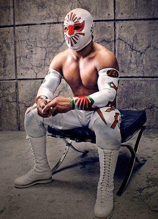 Mistico An Exceptionally Acrobatic Luchador Lucha Libre Lucha