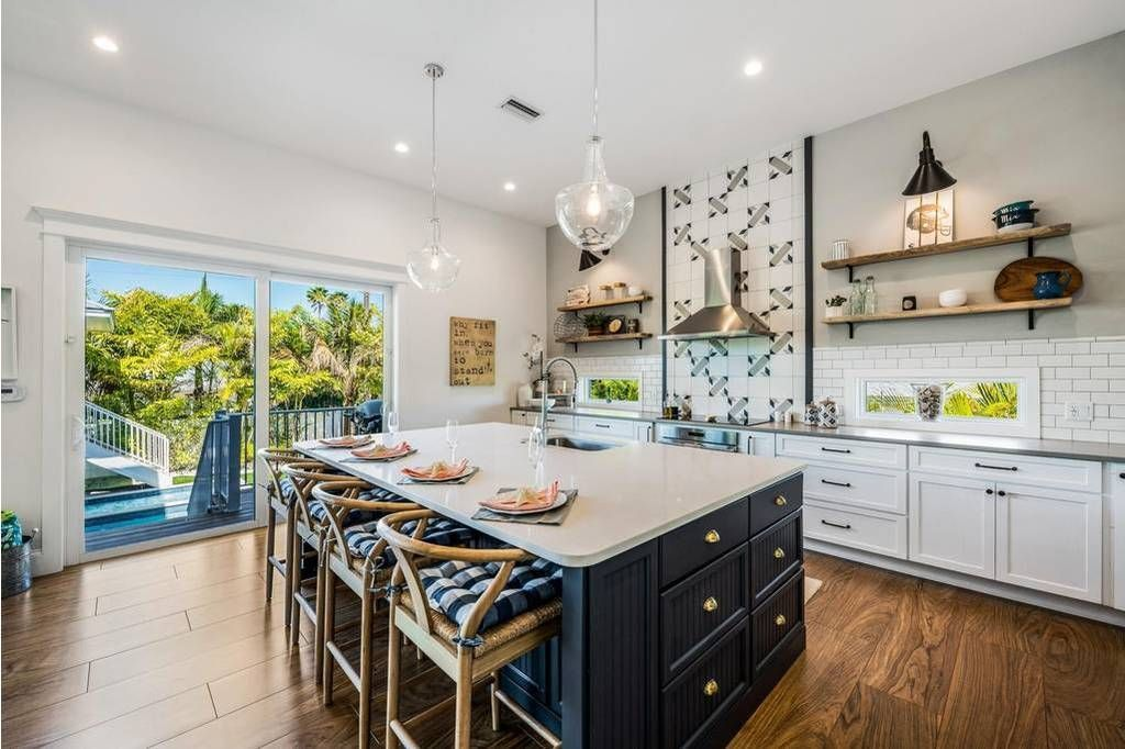 7 Beach Vacation Rentals With Stunning Kitchens (Perfect