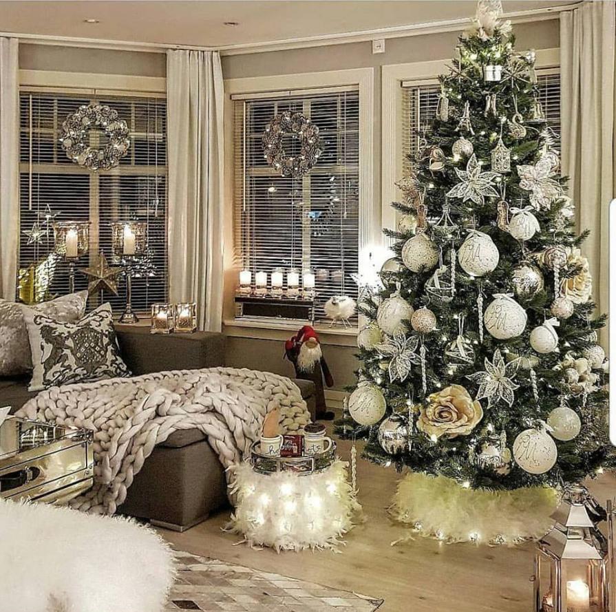Pin by Jen Hartnett on Christmas Living Rooms   Elegant ...