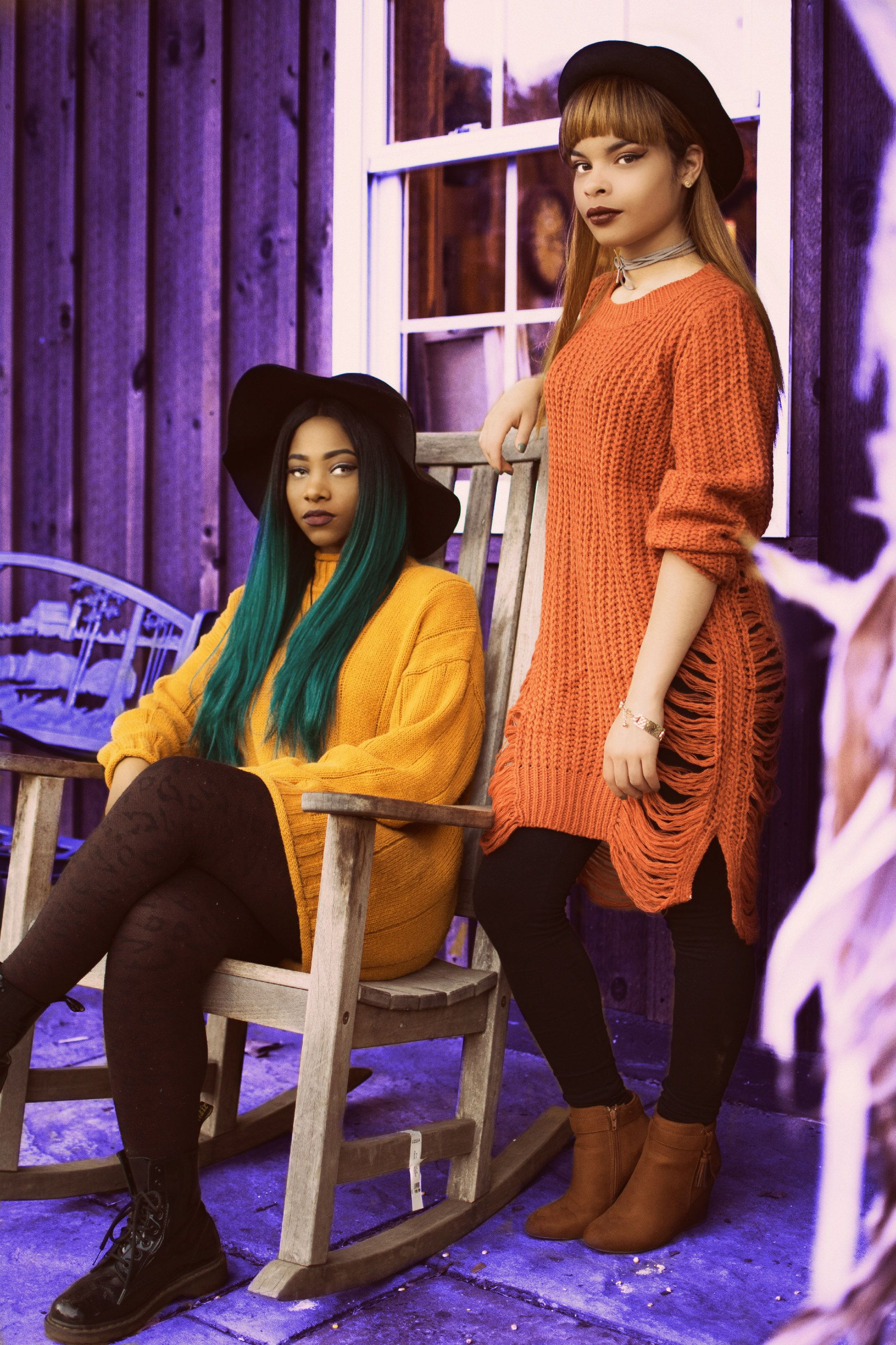 #witches #greenhair #blackgirl #orangesweater #wig #blackhat #makeup #fashion #style #halloween #witch #october #fall