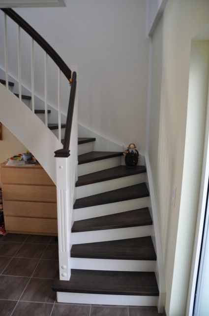 Treppenhausgestaltung - Eingangsbereich mit Flur und Treppe ähnliche - wohnideen amerikanisch