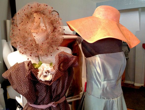 Hat Maker Marta Glazen S Couture Creations Are Made In Cleveland And Perfect For Kentucky Derby Photos Unique Hats Kentucky Derby Photo Couture Hats