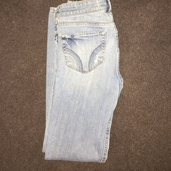 Hollister Jeans Gently worn size 3s W26 L 29 Hollister Jeans Straight Leg
