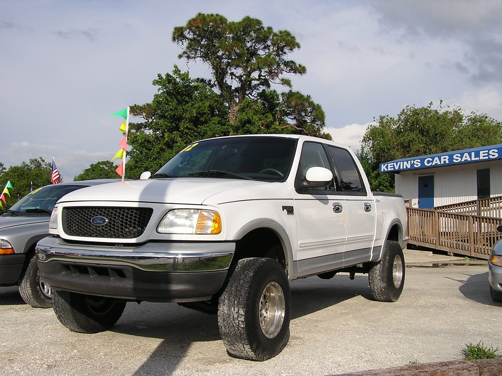 2002 ford f 150 lariat supercrew 001