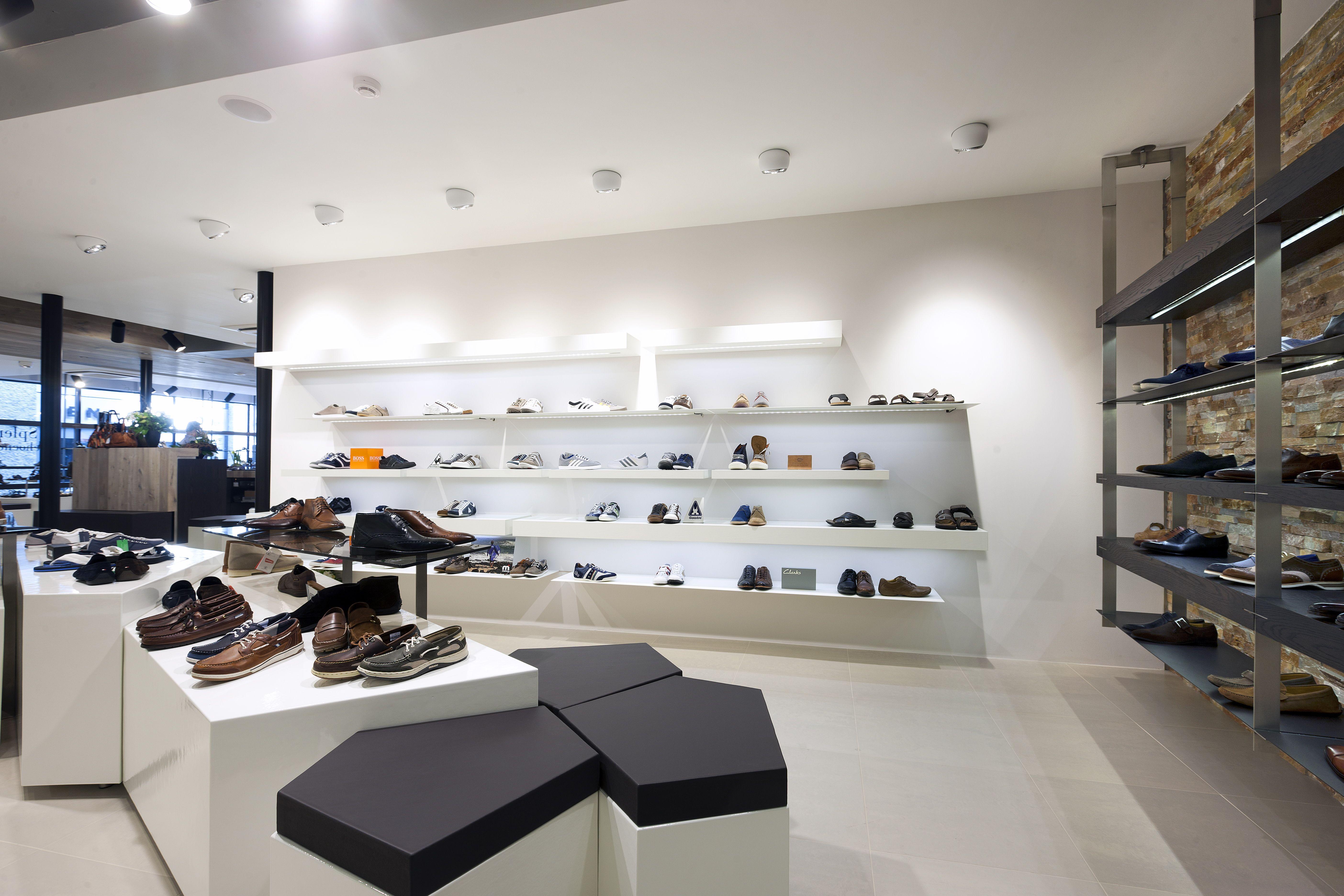 Обувных отделов премиум класса фото