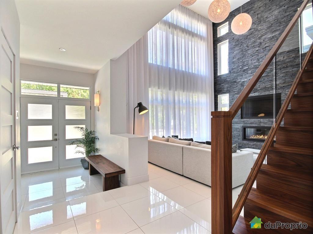 Quartier Chambery Magnifique Maison Avec De Grandes Pieces Dans Un Decor Contemporain Epure Impressionnante Sall Maison Comptemporaine Maison Maison A Vendre