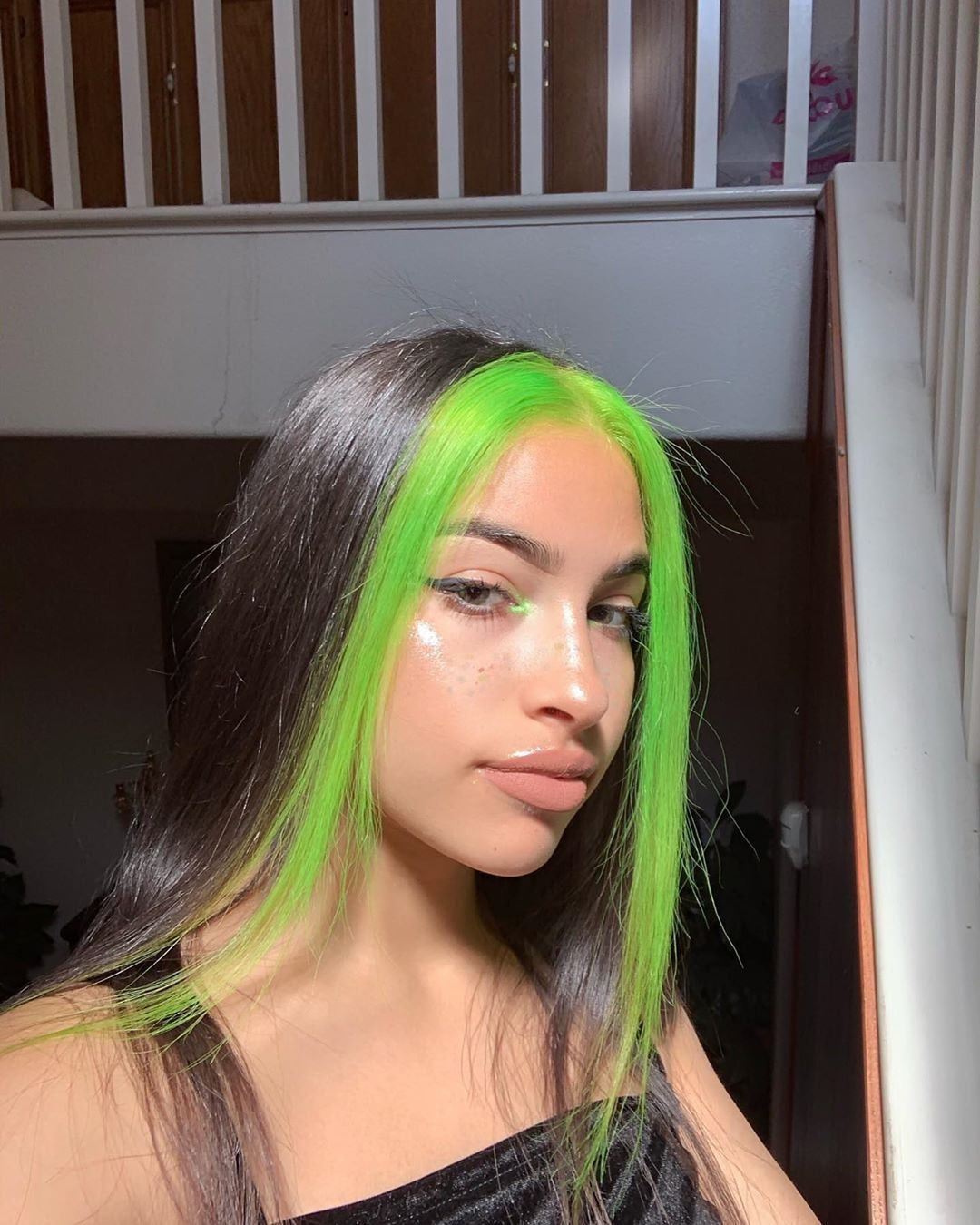 Vereena Sayed Sayed Vereena Sayed Vereena In 2020 Green Hair Streaks Hair Color Streaks Hair Styles