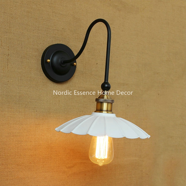 41.99$  Watch now - http://aliq31.worldwells.pw/go.php?t=32694326953 - European-style Classic EU creative personality minimalist black dress retro bedside curved balcony hotel bar wall sconce lamp