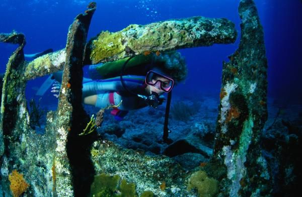 Wreck diving in Bermuda