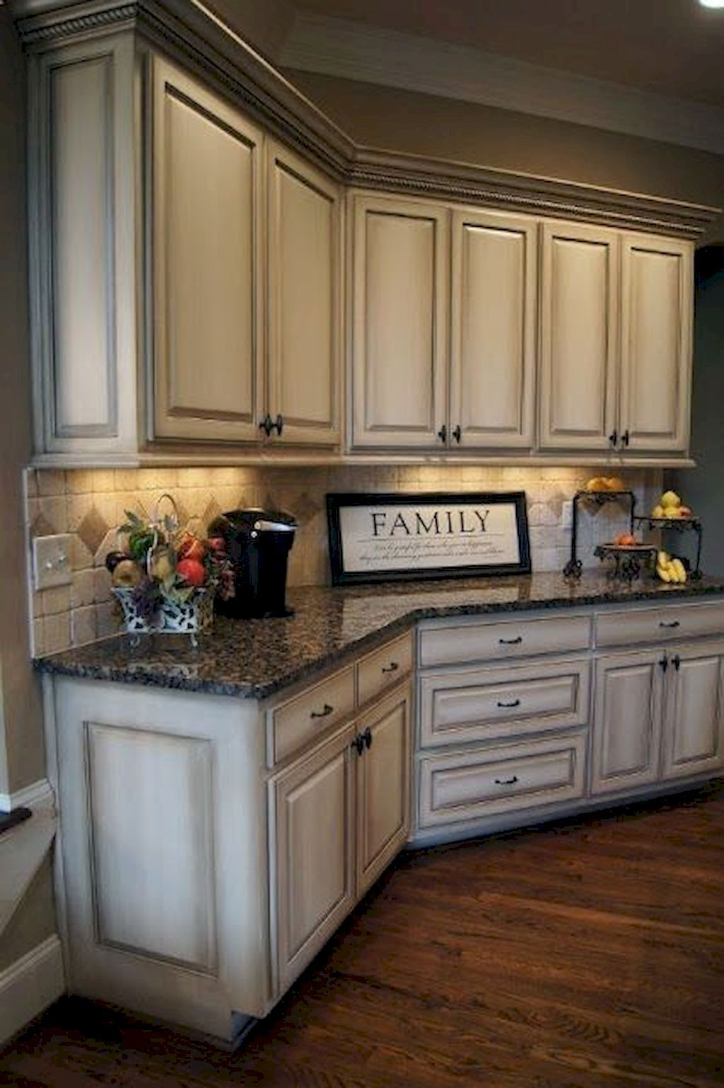 Gorgeous 80 Gorgeous Farmhouse Gray Kitchen Cabinet Design Ideas Https Rusticroo Antique White Kitchen Antique White Kitchen Cabinets Rustic Kitchen Cabinets