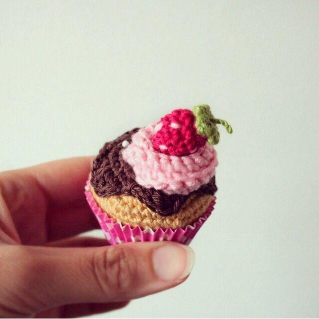 Such a mini and cute strawberry chocolate cupcake! :)