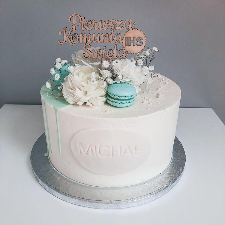 Joanna Grochowicz Na Instagramie Dalej Komunijne Tortkomunijny Tort Communion Communioncake Flowers Flo Book Cakes Dessert Book First Communion Cakes
