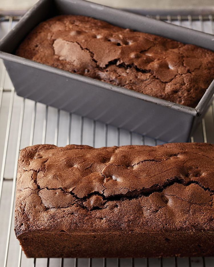 These triple chocolate loaf cakes are so chocolatey with