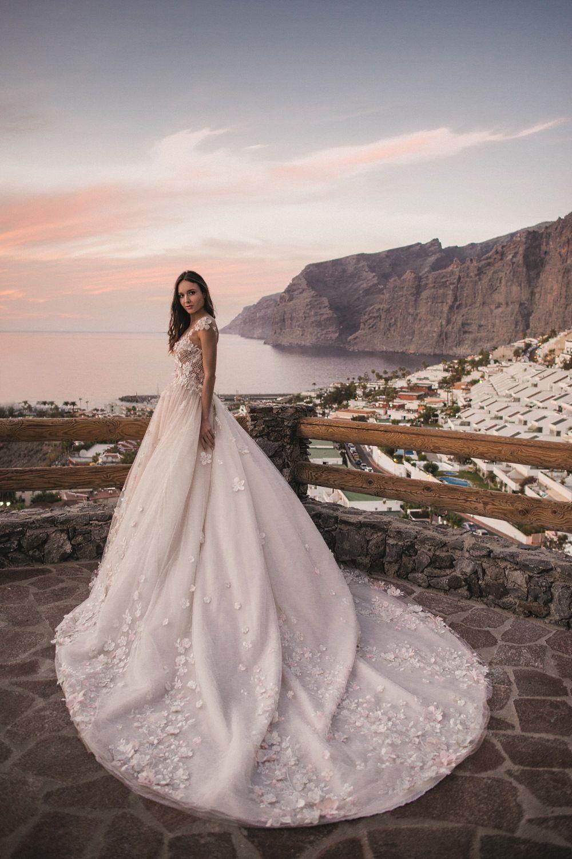 6d884a9e69324 Robe de mariée princesse - Oksana Mukha Paris