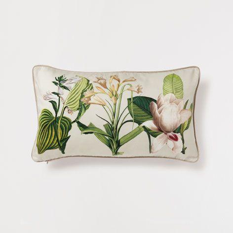 Cuscino stampa a fiori nel 2019 cuscini decorativi for Divano zara home