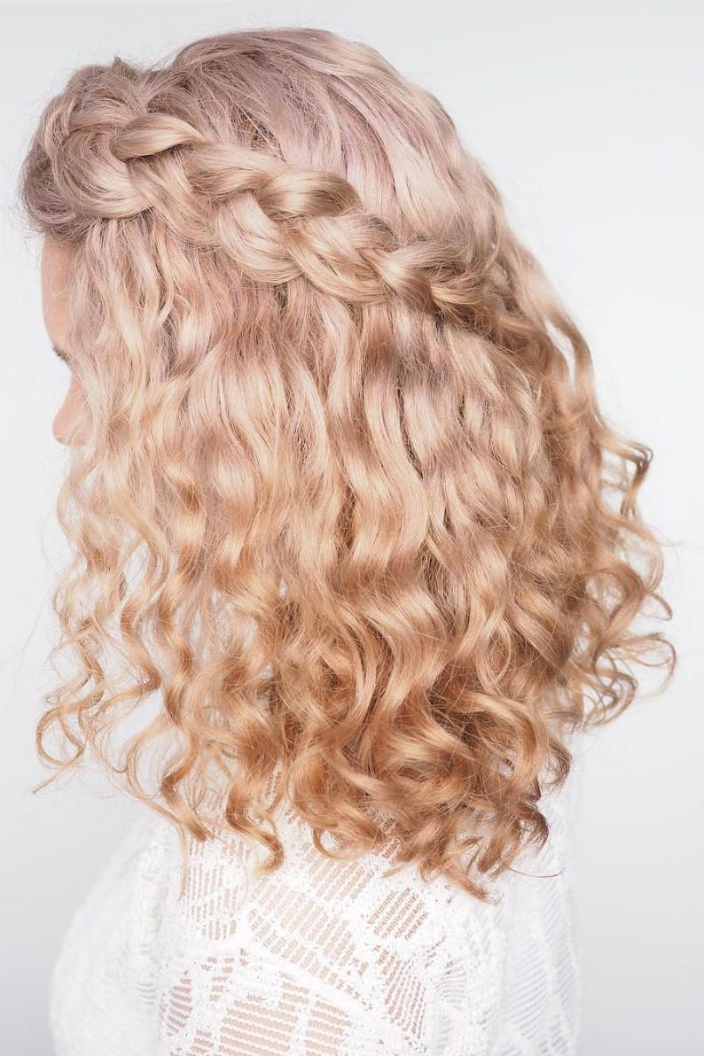 Stunning Wedding Hairstyles for Naturally Curly Hair | Curly hair ...