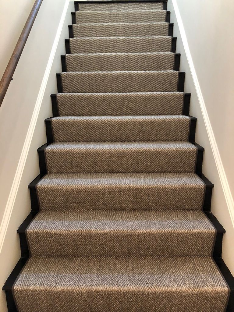 Polypropylene Is A Great Option For Some Entry Way Steps A Stain Resistant Water Resistant Sun Fade Res Carpet Staircase Hallway Carpet Runners Stair Runner