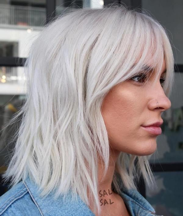Silver Blonde Layered Bob Medium Length Hair Styles Medium Hair Styles Hair Styles