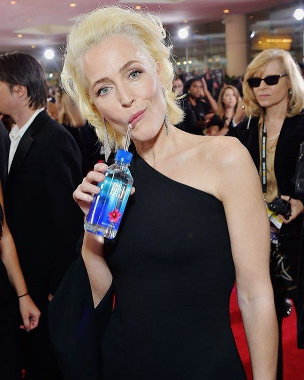 Sipping for more female directors to get on this carpet! #FIJIOneSipForward #GoldenGlobes @fijiwater