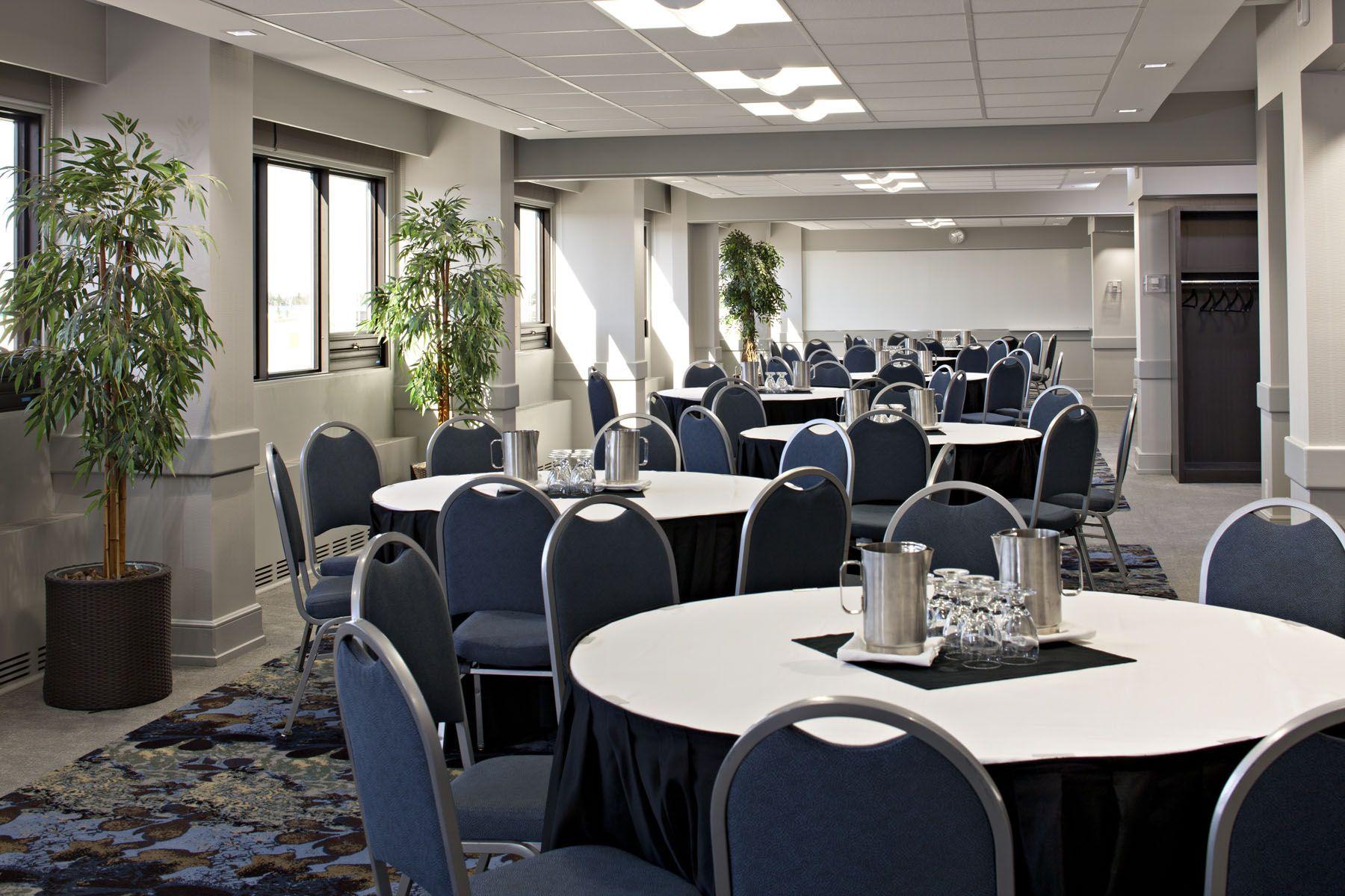 Glacier Room meetings events yeg yeghotels Room