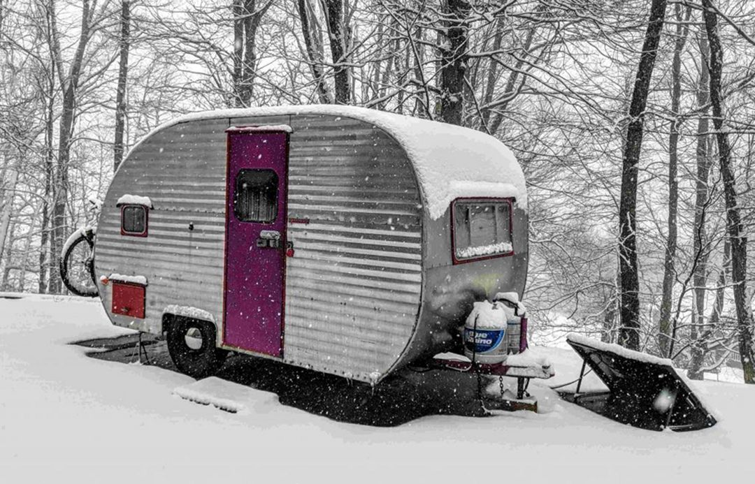 Enjoy your winter outdoor with amazing rv camper setup