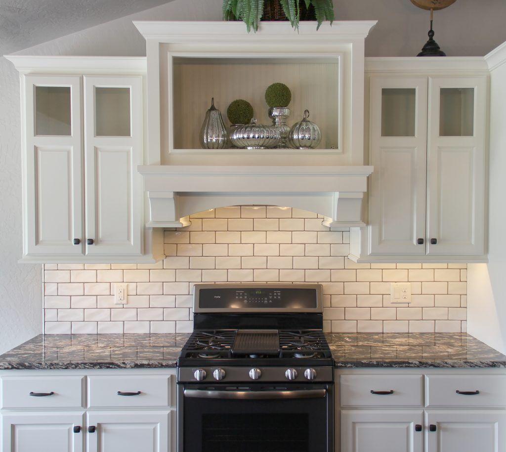 Backsplash Highland Park 3 X 6 Antique White With Sahara Beige Grout White Kitchen Tiles White Tile Kitchen Backsplash White Backsplash