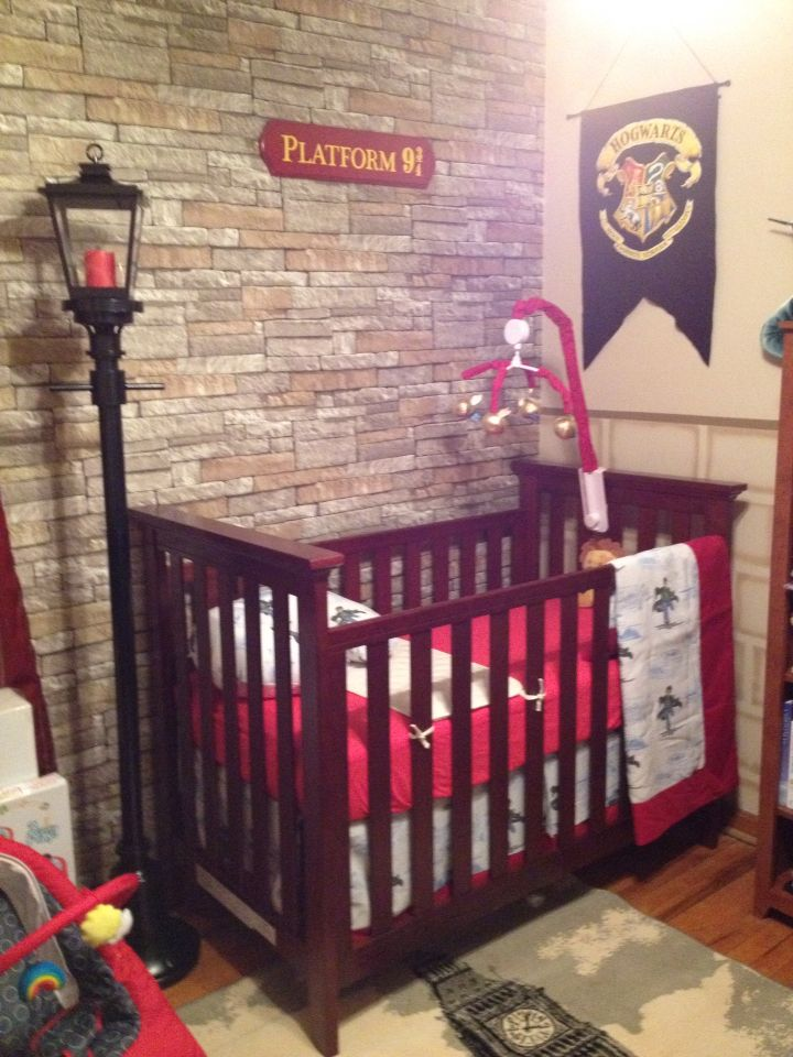 our harry potter nursery finally done ideas for kids pinterest kinderzimmer ideen babys. Black Bedroom Furniture Sets. Home Design Ideas