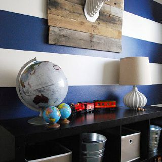 25 beste idee n over jongens blauwe slaapkamers op pinterest blauwe slaapkamer verf blauwe - Blauwe en grijze jongens kamer ...