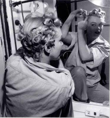 Marilyn MonroeHair - Alternatively Lovely - http://www.rockalily.com/blog/marilyn-monroe-hair.html#