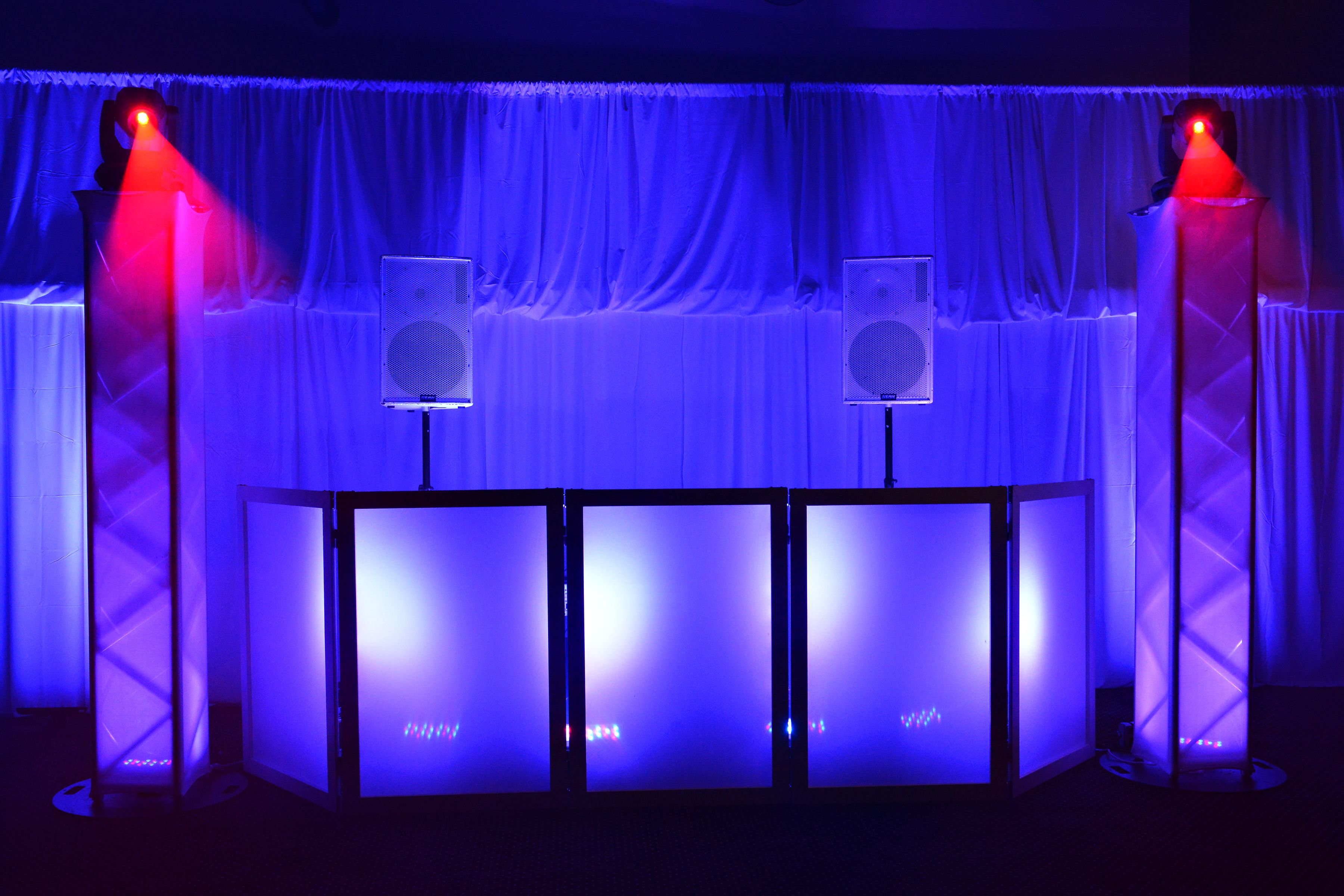 Tommy S Tunes Dj Entertainment Long Island New York Wedding New York Wedding Photo Booth Island