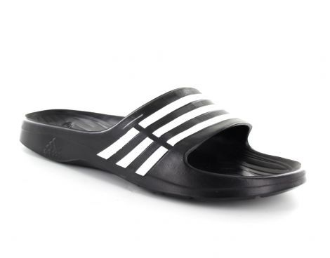 Deze Adidas Duramo dames slipper heeft een slank, vrouwelijk ...