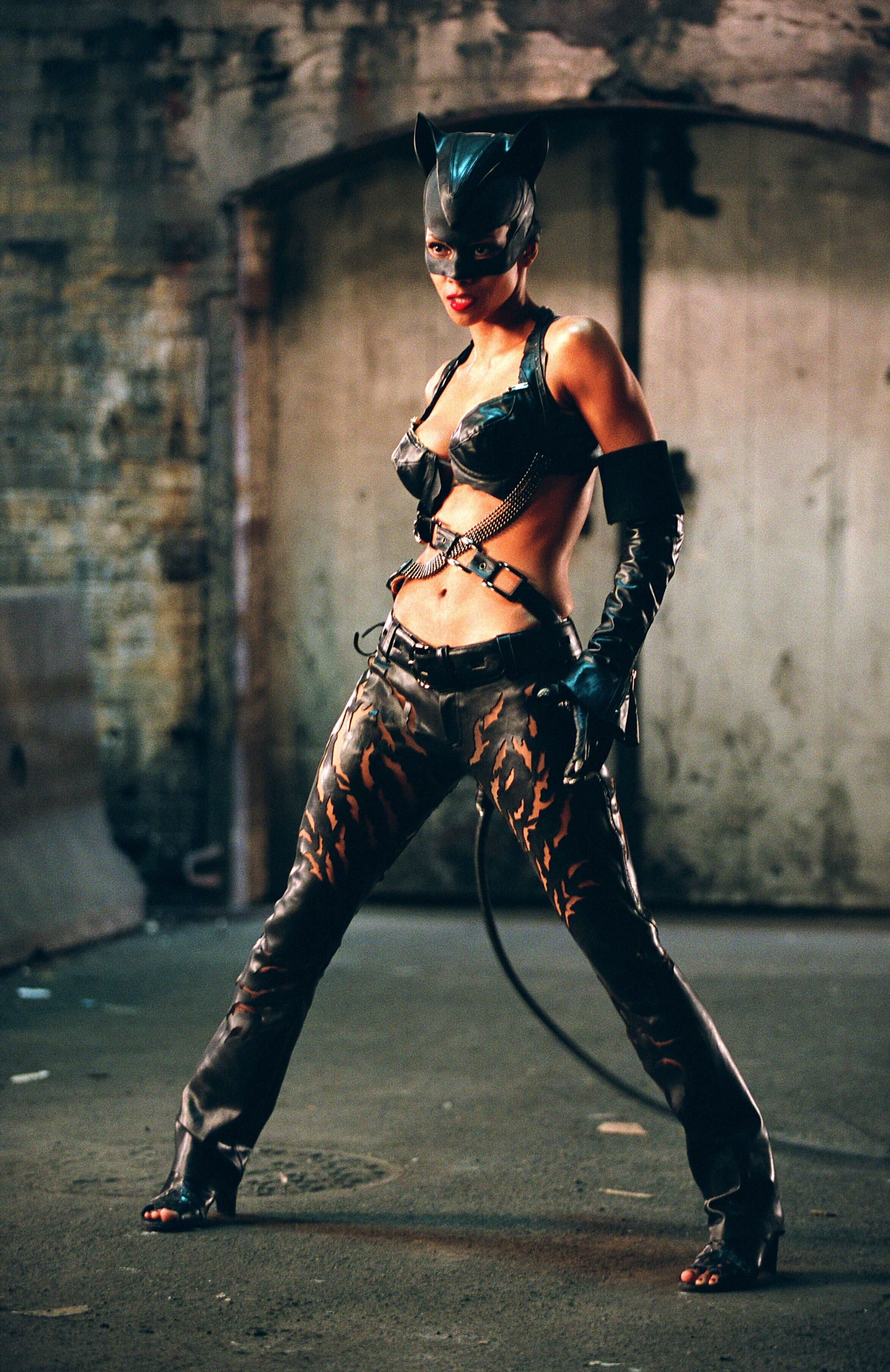 Halle Berry ''Catwoman'' 2004 Pahlawan super
