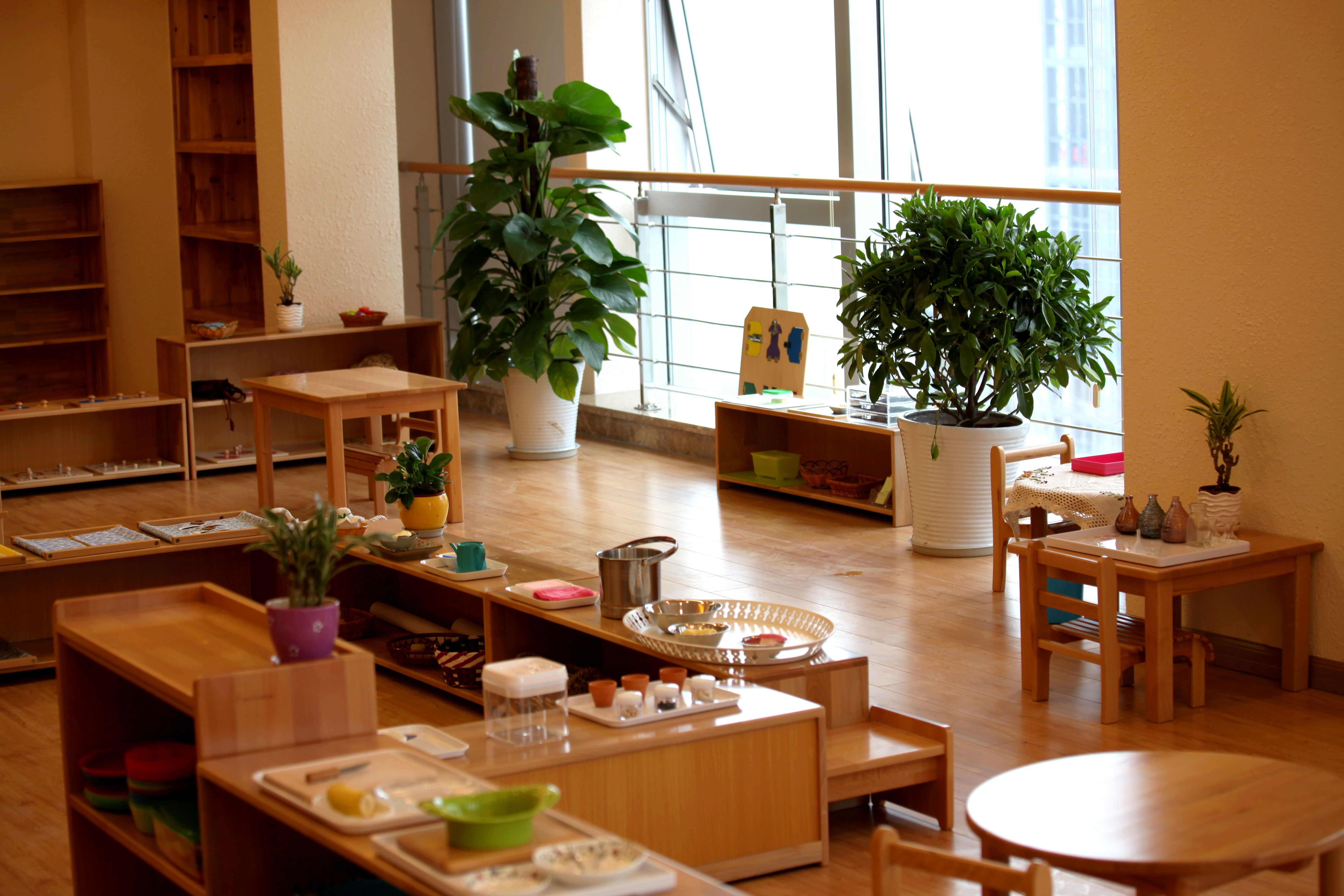 Montessori classroom at Beautiful Grassland Kindergarten in Chongqing, China. http://sproutsmc.wix.com/sprouts