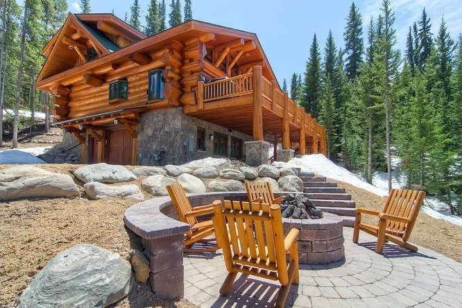 Nestled Among The Pines And Bordering National Forest Is Breckenridge, A  True Colorado Luxury Mountain Cabin.