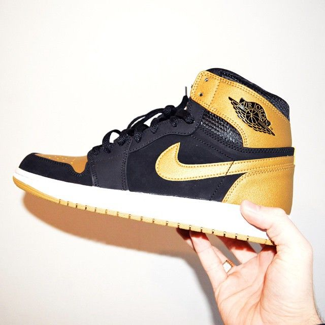 brand new f7f5f 58d5c Nike Air Jordan 1 Gold Black Dope Footwear Trainers Sneakers High Top Tops
