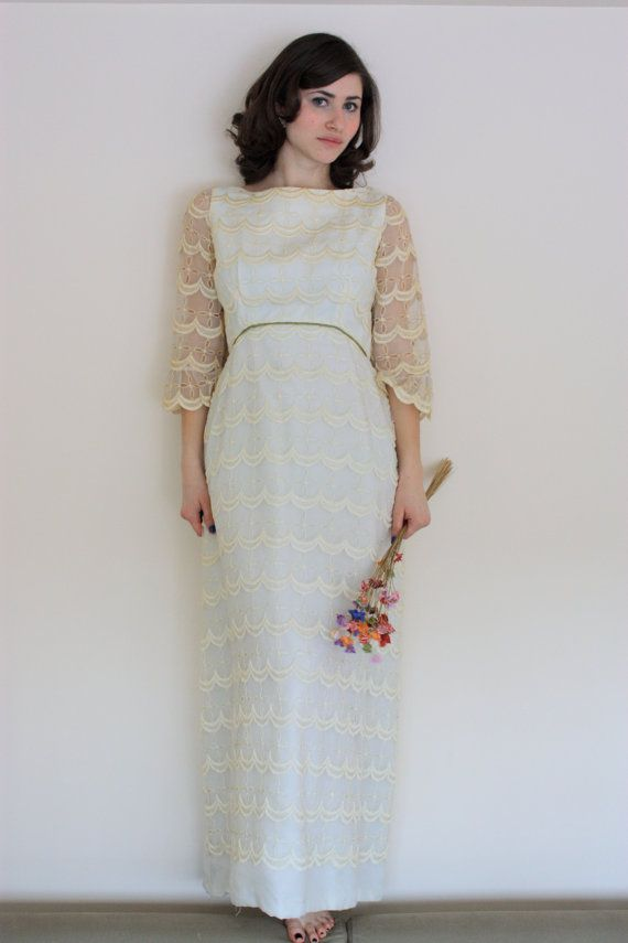 Vintage 1960s Long Sleeve Scalloped Lace Cream Wedding Dress With ...