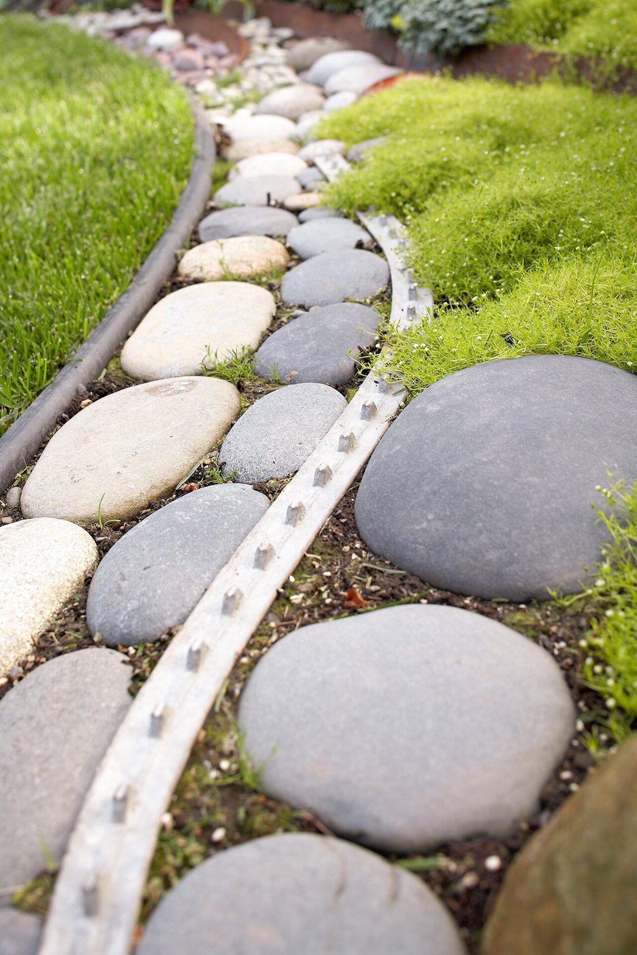 Everything You Need To Know About Landscape Edging Paver Designs Landscape Edging Patio Pavers Design