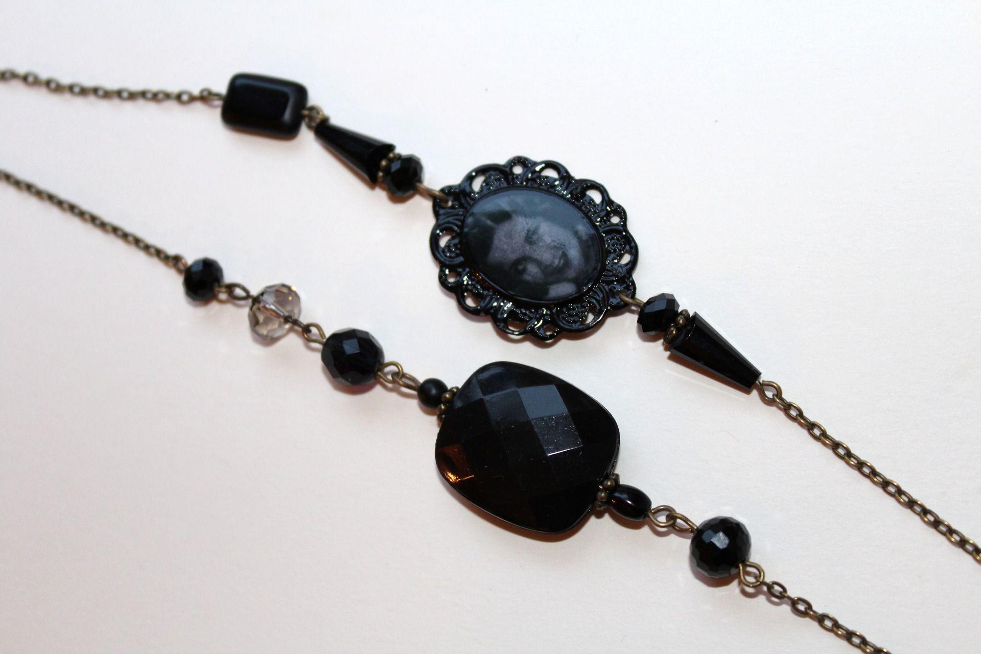 black retro with 30 s style cameo long necklace by accessoires retro de cessi