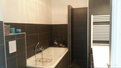 Badkamer Wand Betegelen : Door de badkamer niet tot helemaal boven te betegelen en door de