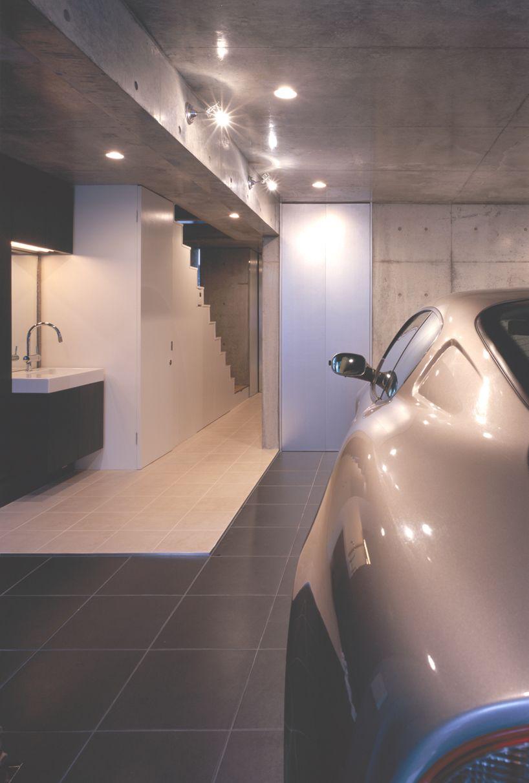 Garage O Clock H Orange By Takuro Yamamoto Architects Tokyo